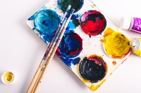 painting palette and paint brushes